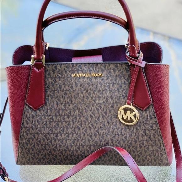 Michael Kors Handbags - Michael Kors large Satchel purse
